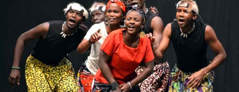 la-alegria-de-africa-de-aba-taano-en-el-teatro-sanpol